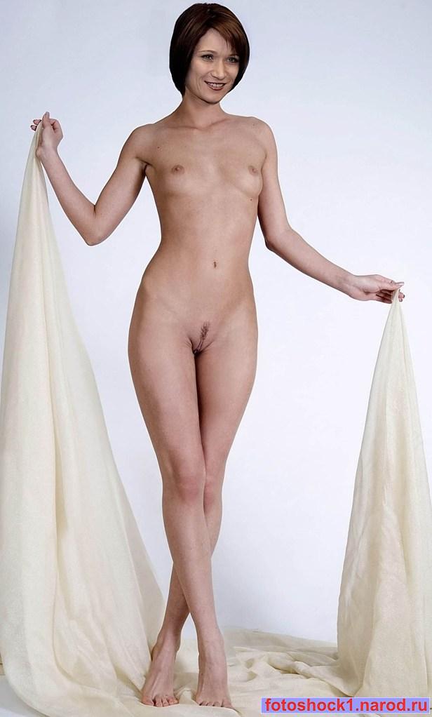 Порно фотографии обнаженной лилии ребрик